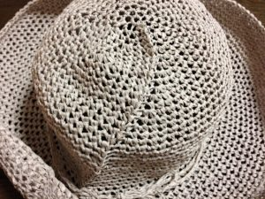 リーフィーで編む麦わら帽子(後ろ)