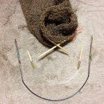 袖を輪に編む針で悩む・・